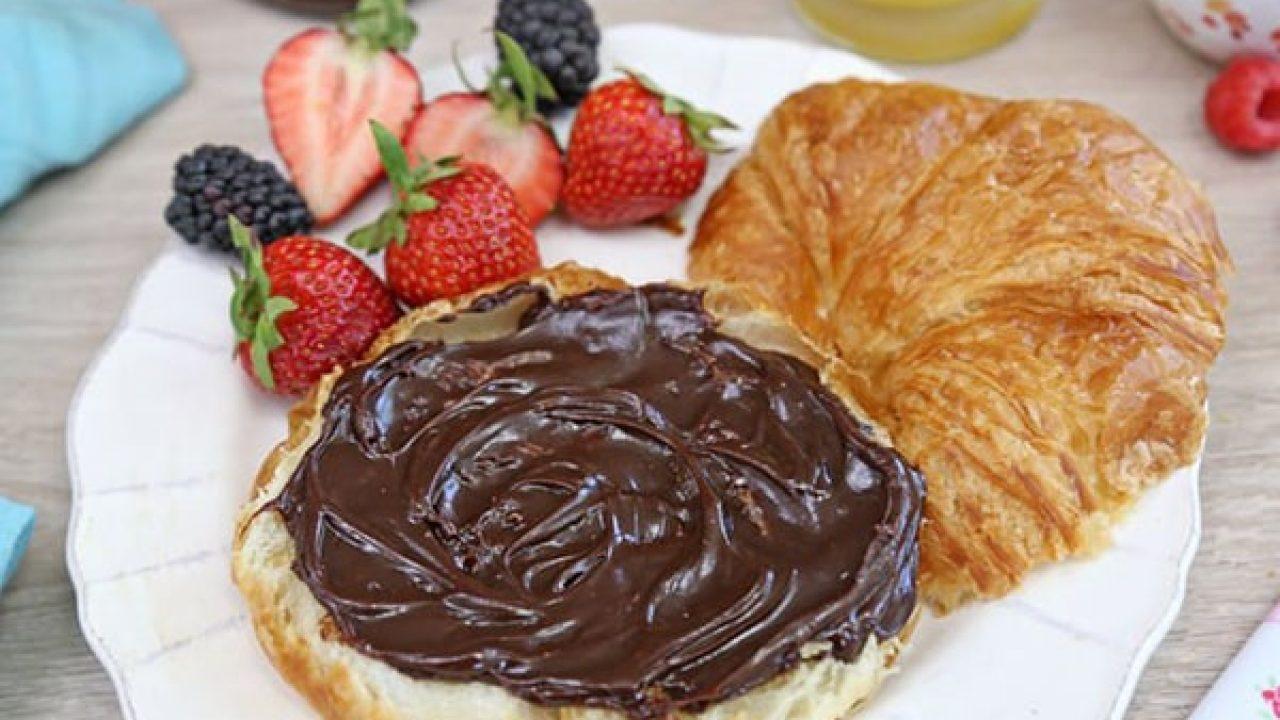 طرز تهیه شکلات صبحانه با پودر کاکائو و پسته